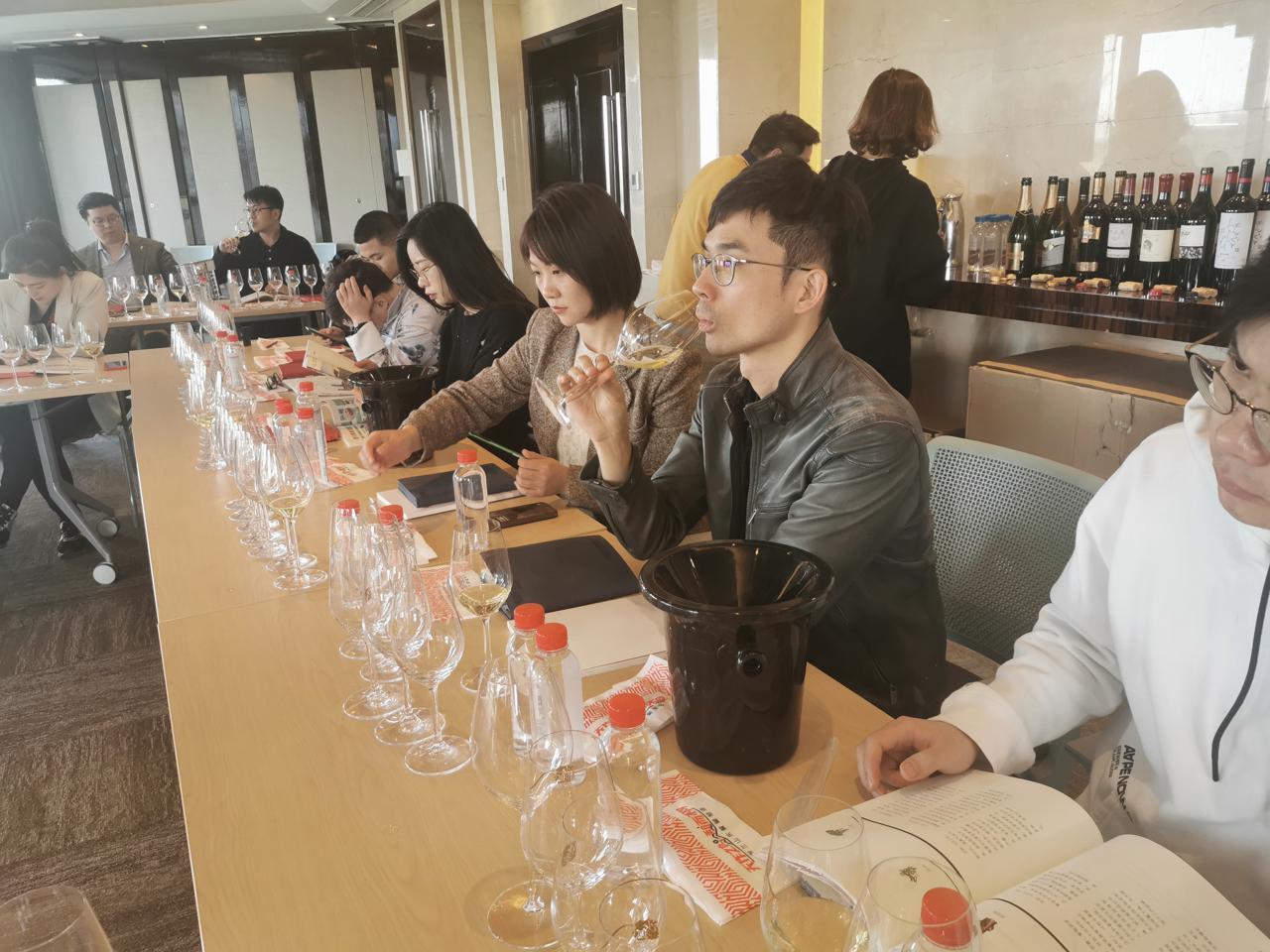 全国知名讲师参加《贺兰山东麓葡萄酒银川产区》培训